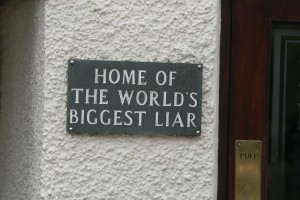 هل تاريخك الكذب عليك؟